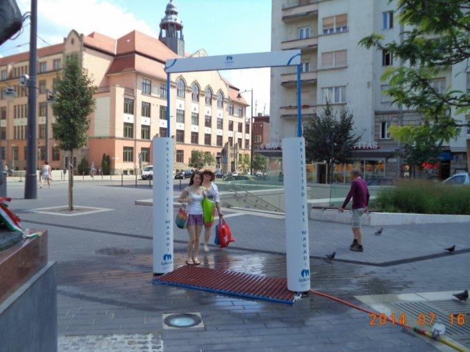Hőség: vízosztás és másodfokú riasztás