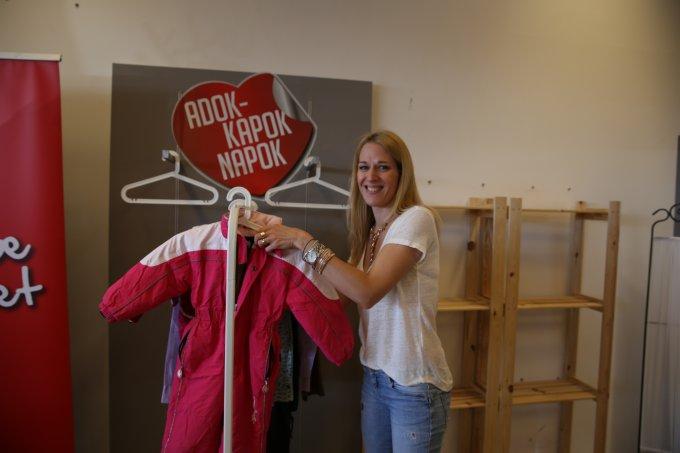 Bő egy hétig tart még az ország legnagyobb jótékonysági ruhagyűjtő akciója