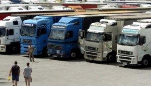 Hosszabb lesz a kamionstop